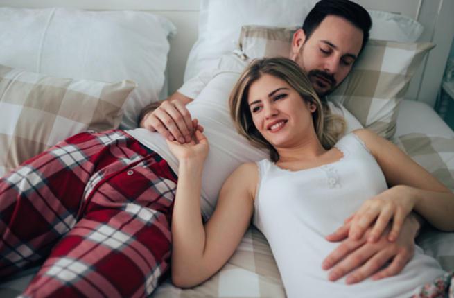 تعرفي علي  طرق لإرضاء الزوج في الفراش لحياة زوجية سعيدة  Couple10