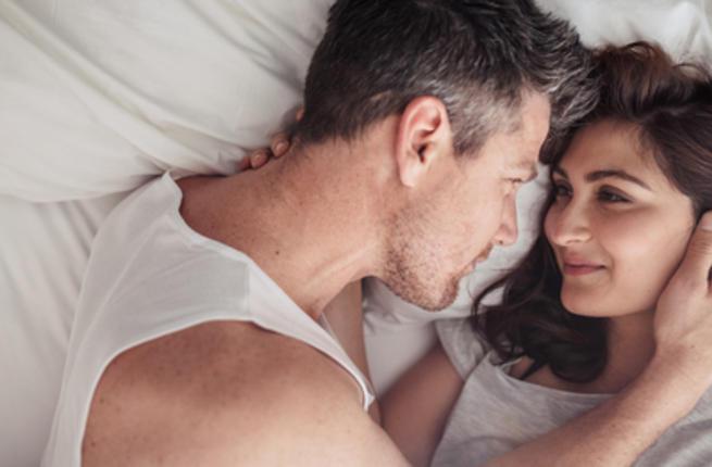 أوقات تفضِّل فيها الزَّوجة ممارسة العلاقة الحميمة على مدار حياتها Couple27
