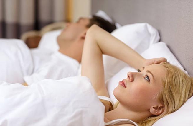 سيدتي تعرفي كيف يؤثر نقص النوم على حياتك الجنسية؟ Couple29