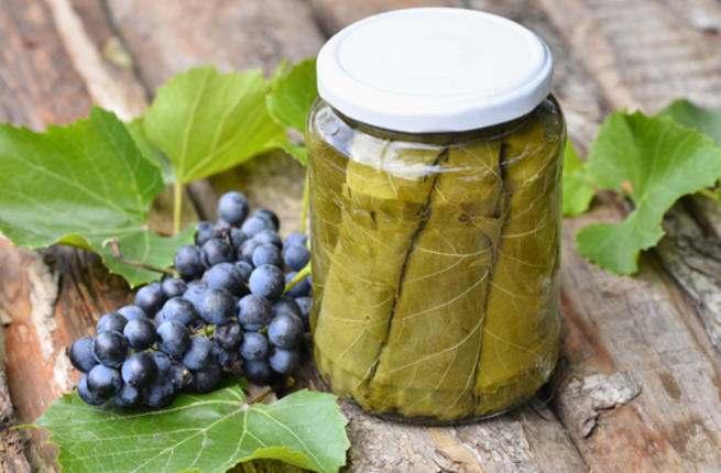 كيفية حفظ ورق العنب بالأوعية الزجاجية Grape_10