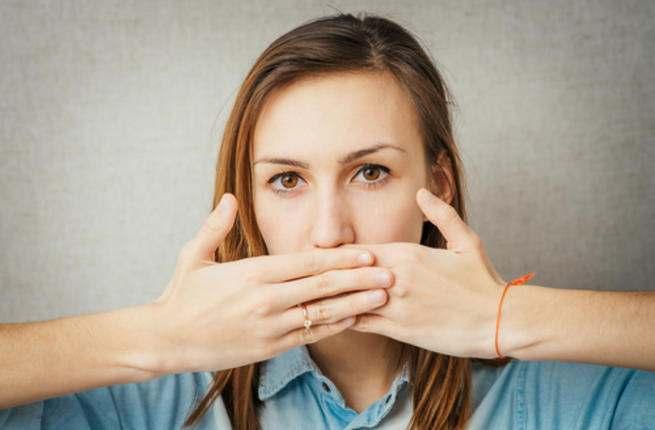 تعرفي علي حلول للقضاء على رائحة الفم في رمضان Smell_10
