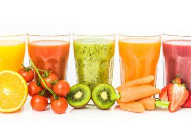 أهم المشروبات التي تساعد على حرق الدهون  ومشاكل الأنتفاخ في رمضان Smooth10