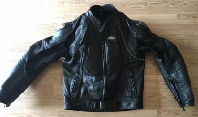 Vendo chaqueta de cuero 410