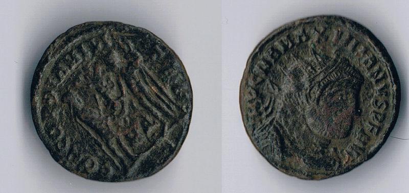 Fracción radiada post-reforma de Maximiano Hércules. CONCORDIA MILITVM. Emperador recibiendo Victoriola de Júpiter . Ceca Cyzicus. Moneda11