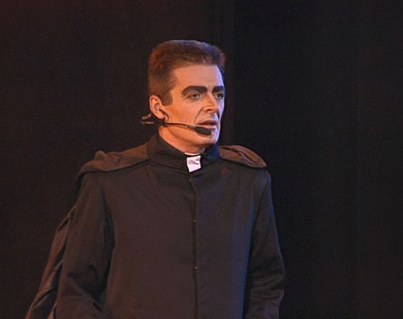 HELL WITH YOU IS PARADISE CAPÍTULO 5: Frollo10