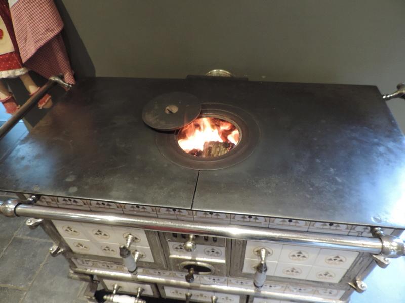 Cuisiniere à bois Dscn0411