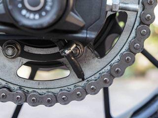 Sistema de engrase automático en mi Yamaha XSR700 (Scottoiler) Cadena14