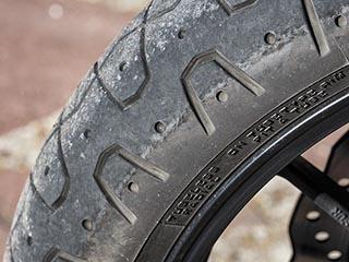 Cambio neumáticos Yamaha XSR700 13.653km Delant13