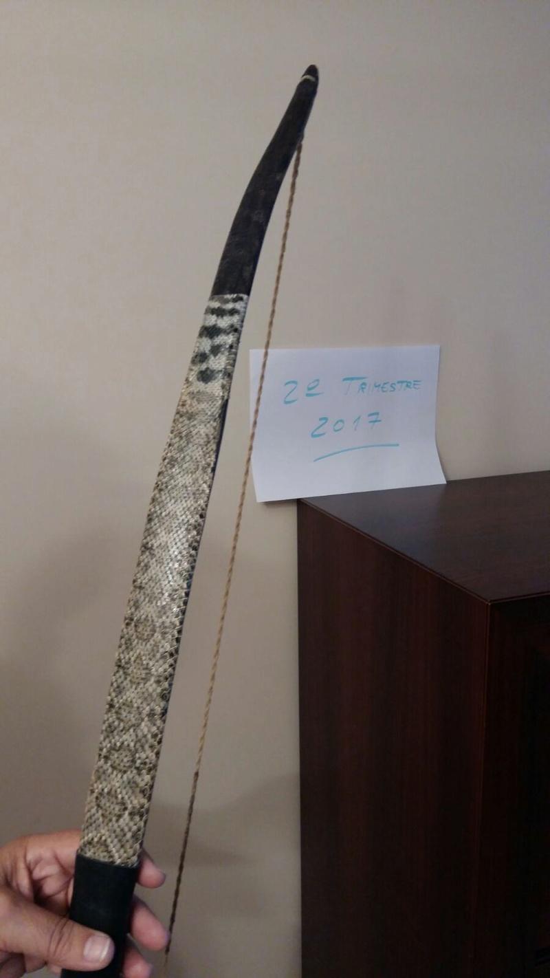 Arco de acacia con tendón y piel de serpiente Whatsa10