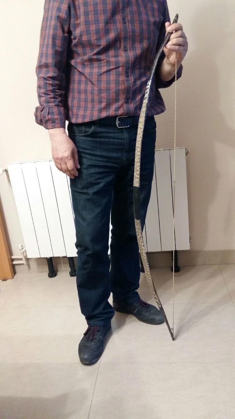 Arco de acacia con tendón y piel de serpiente Whatsa13