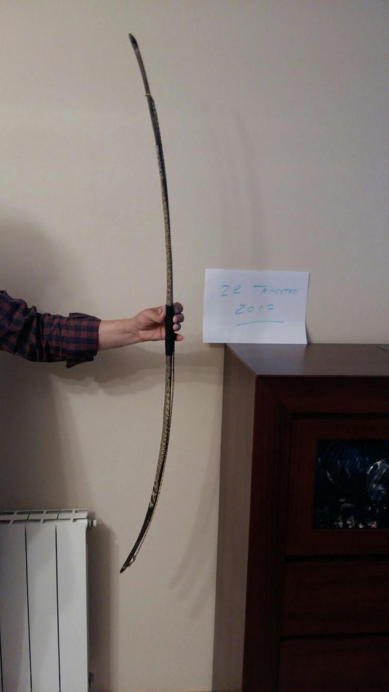 Arco de acacia con tendón y piel de serpiente Whatsa20