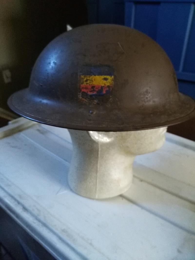WW II Canadian Helmets - Page 4 Img_2047