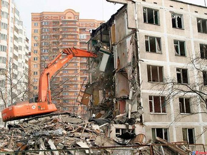 Сносить, нельзя оставить. К чему приведет скандальный проект реновации ветхого жилья в Москве 23807810