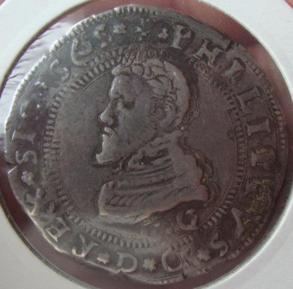 escudo ó 10 taris  messina CG felipe II 1565 sobre 1555 Dsc04623