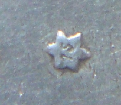 me gustaría saber de que año es la estrella de este amadeo Dsc04829