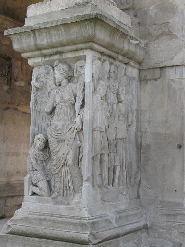 Un follis inédit de Constantin Ier, revers avec Victoire et empereur Fig_710