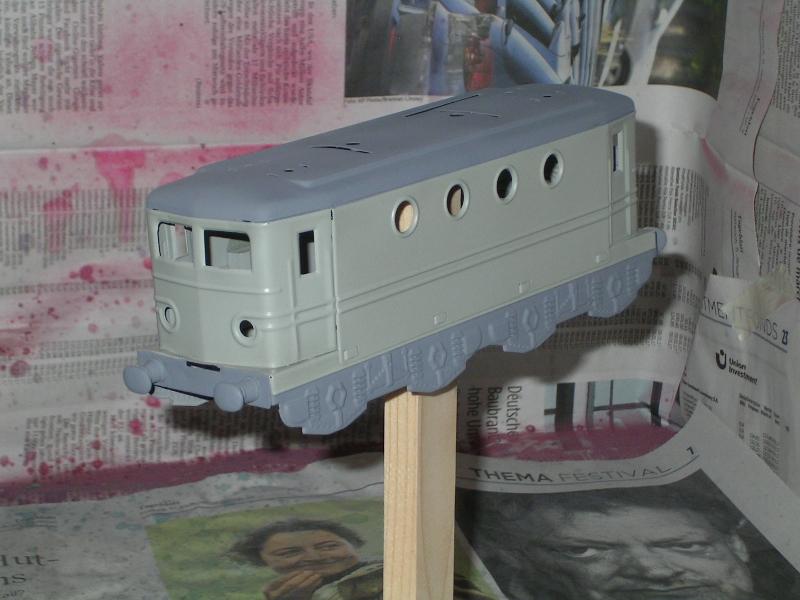 Transformation de la Hornby BB 8051 en version SNCF nouille gris béton 20170310
