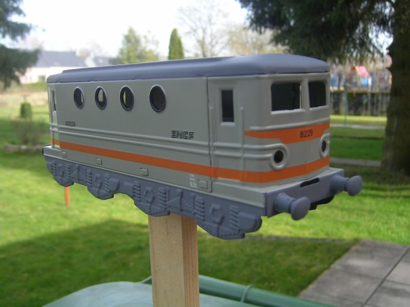 Transformation de la Hornby BB 8051 en version SNCF nouille gris béton 20170311