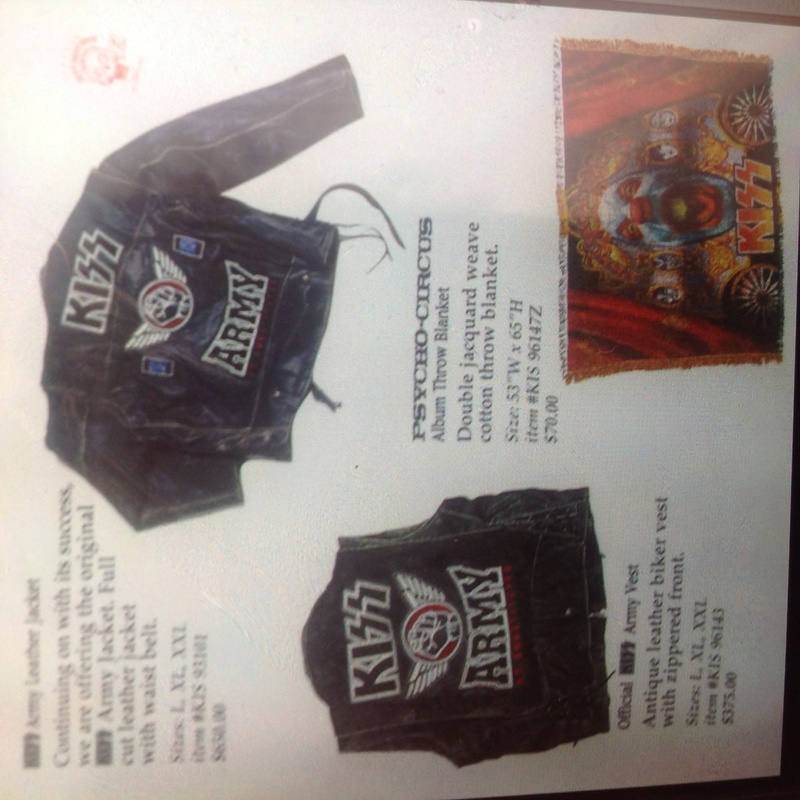 OfFICIAL KISS ARMY VEST Image18