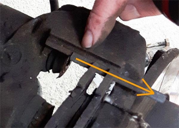 Changement plaquette de frein arrière - Vito CDI 112 année 2000 05-gou10