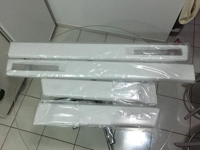 [VENDIDO] Friso lateral MOPAR NOVO - pintado em Branco Ambiente Img_8710