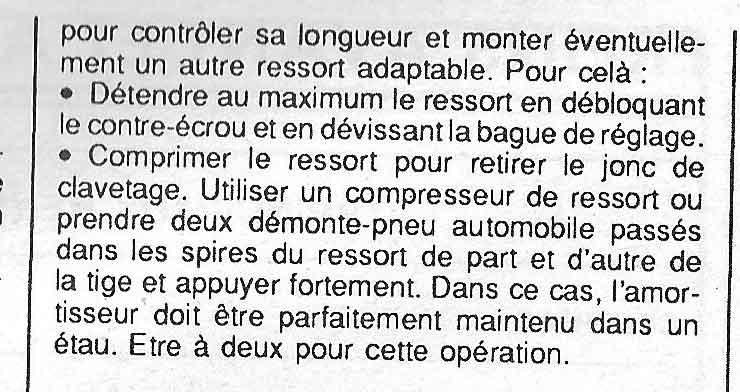 Demontage Amortisseur + Bras oscillant // RESOLU Notice10