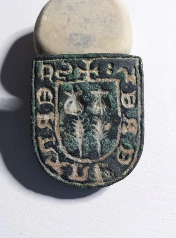 Identificación Escudo Medieval con Inscripciones 20170210