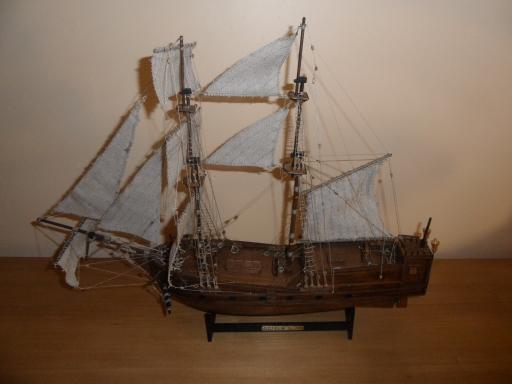 Ma première maquette en bois Golden Star 1/150  Sam_3531