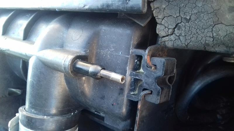 Tube métallique dans mon radiateur 20170210