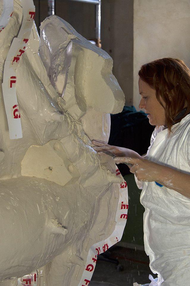 Visite à l'atelier de restauration des sculptures du C2RMF - Page 2 18952910