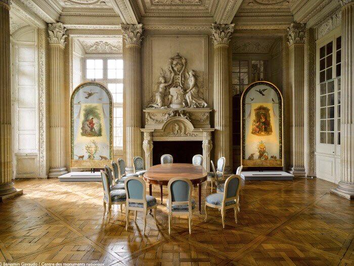 Le mobilier du château de Saint-Ouen s'expose à Maisons C7rkcp10