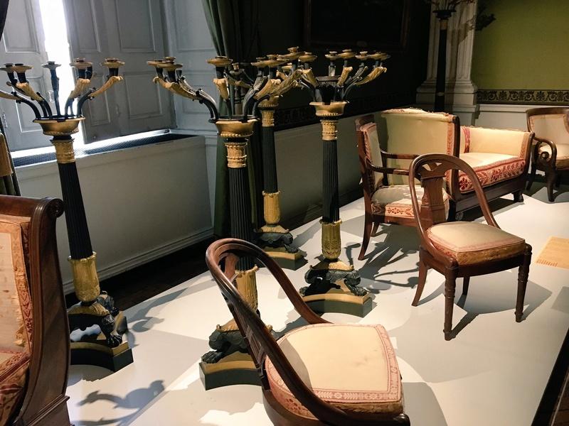 Le mobilier du château de Saint-Ouen s'expose à Maisons C7rxng10