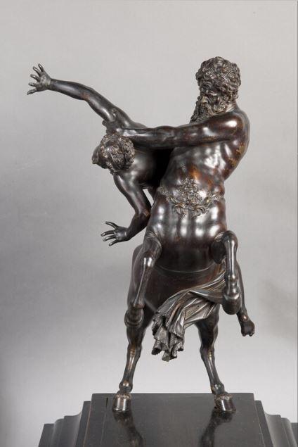 Le centaure, une créature fabuleuse à Versailles  Nessus10