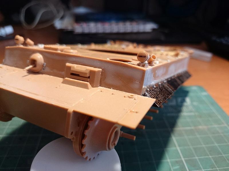 Pz.Kpfw. VI Tiger Ausf. H Img_2028