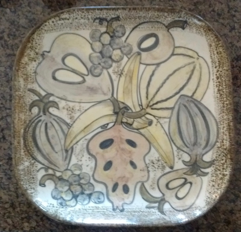 """Large Square Fruit Tray Signed """"Musi Cal"""" California Pottery? Img_2011"""