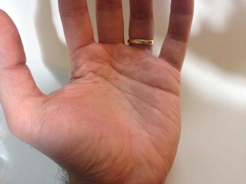 Career Crossroad - Read my hands L_hand14
