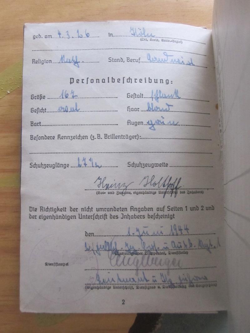 Fallschirmjäger-Ersatz- und Ausbildungs-Regiment 1 Soldbu10