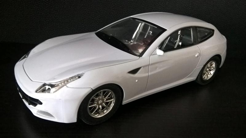 Ferrari FF (скрэтчбилд) 1/18 Wp_20118