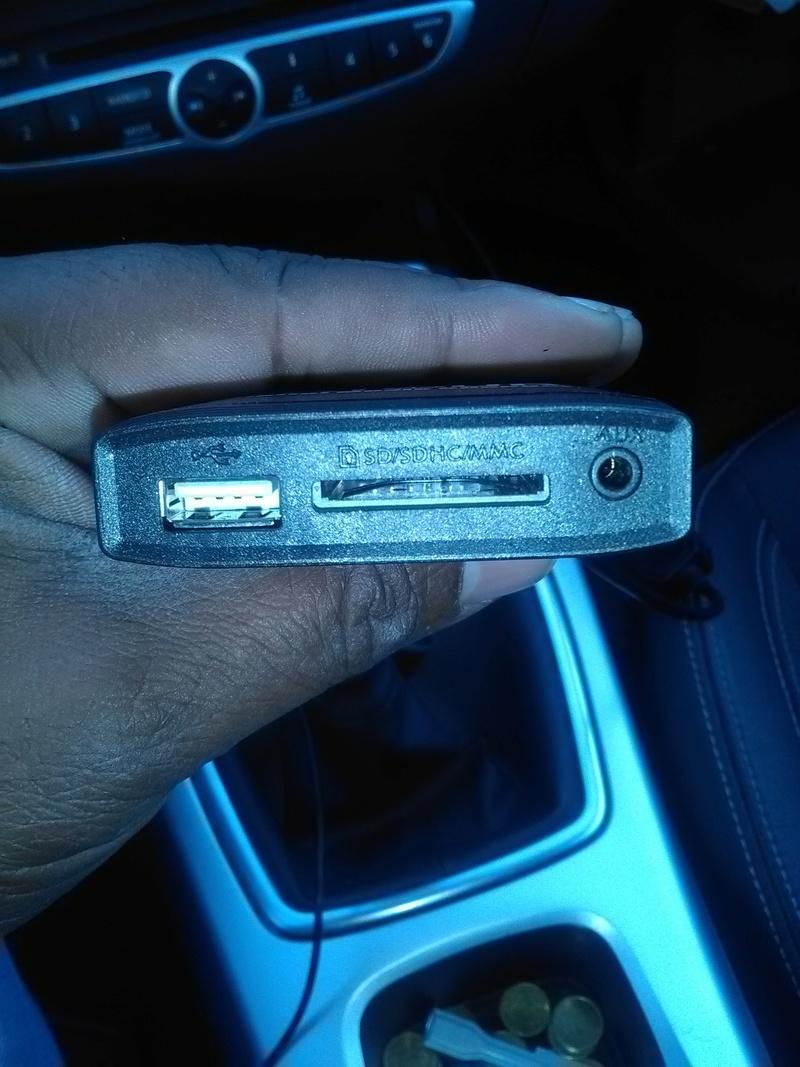[Tuto] Rajouter prise auxiliaire et/ou USB sur l'autoradio de série Boitie11