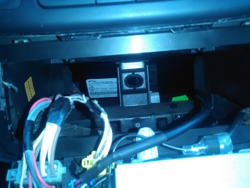 [Tuto] Rajouter prise auxiliaire et/ou USB sur l'autoradio de série Logeme10