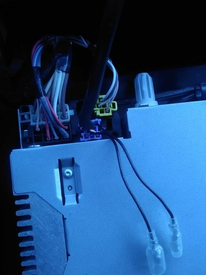 [Tuto] Rajouter prise auxiliaire et/ou USB sur l'autoradio de série Prise_11