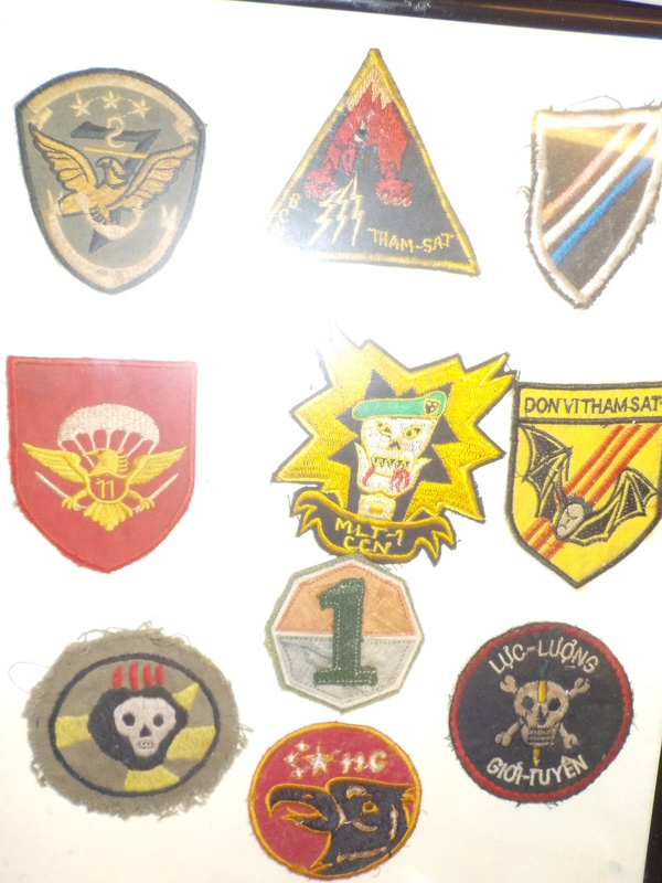 Some more Vietnam beogam,tigers & patches. Dscn0645