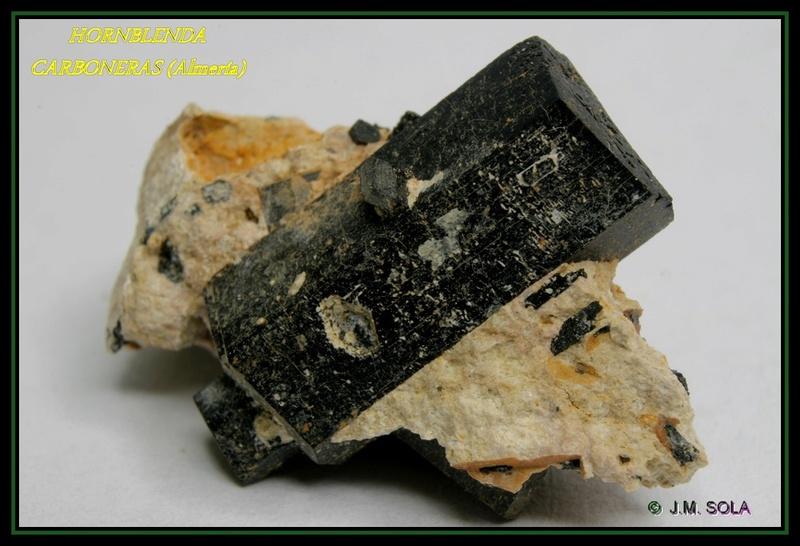 Duda, que mineral es este de Carboneras? Col9g10