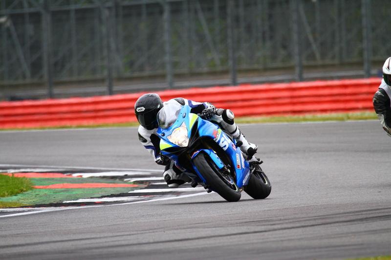 Track Day em Silverstone GSX-R600 910