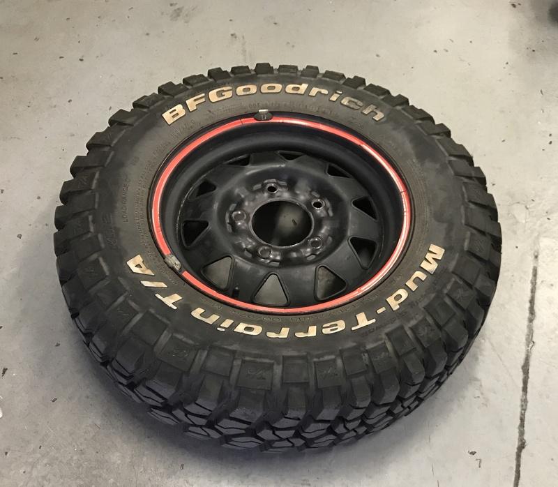 Vendo 4 ruedas BFGoodrich Mud Terrain KM2 Img_4010