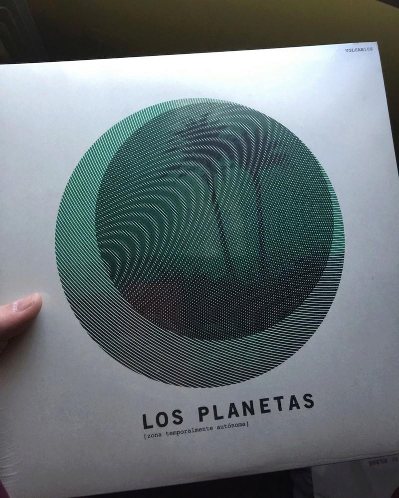 Nuevas portadas de Los Planetas en vinilo...puaj! Img_0210