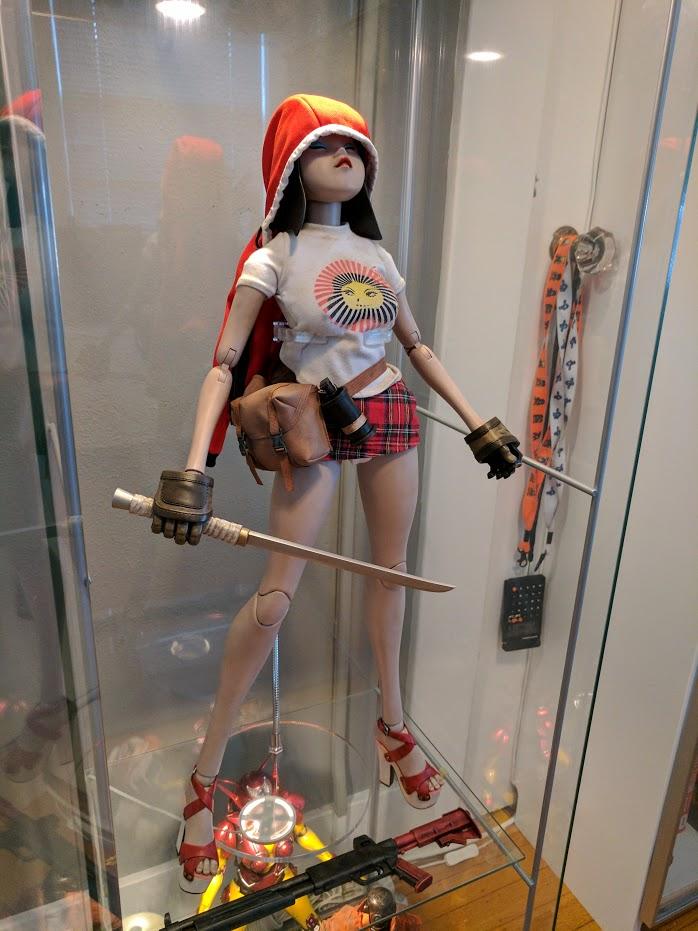 1/3 Scale Figure Displaying Img_2012