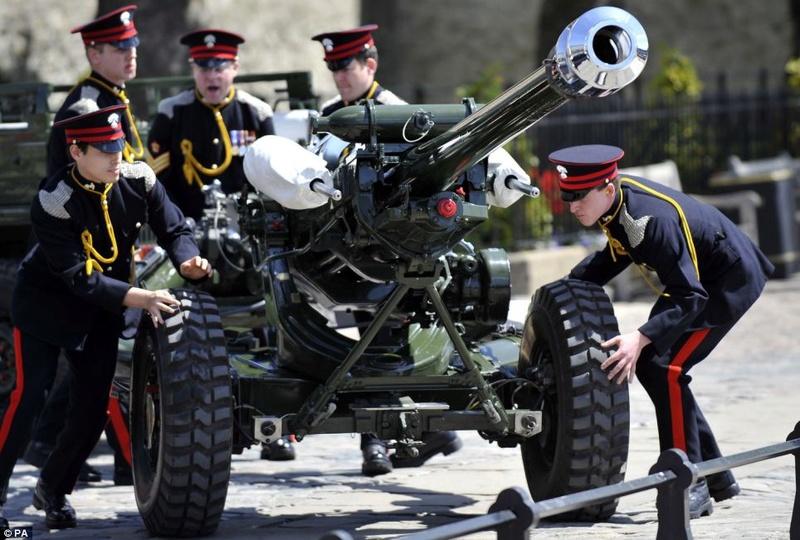 La Honourable Artillery Company Articl11