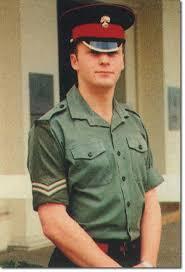 Les casquettes des Guards britanniques Images13