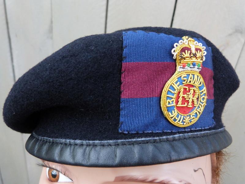 les bérets des Guards britanniques P1150018